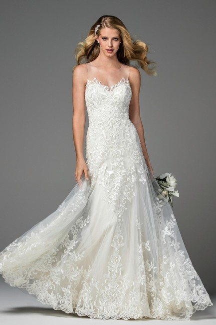 Item - Ivory/Oyster Lace Dame 2074b Feminine Wedding Dress Size 8 (M)