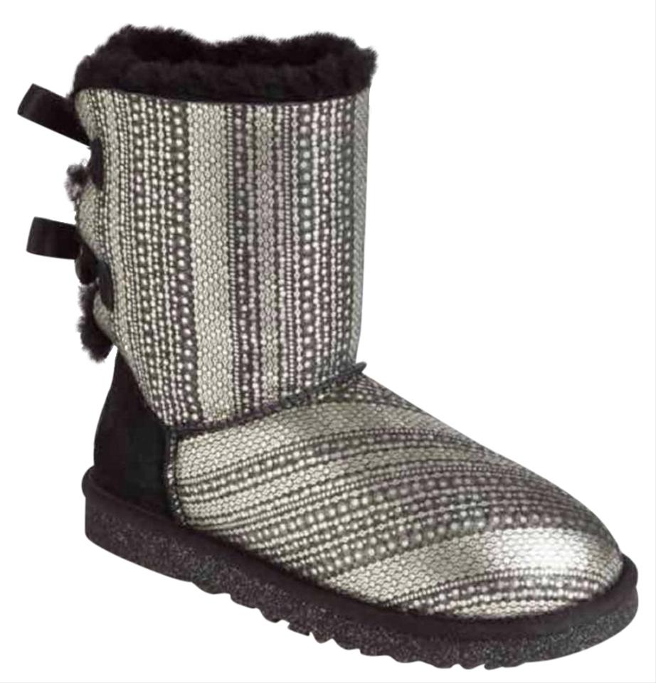 d0e4cf64e16 UGG Australia Black and Silver Holiday Bailey Bow-back Gray B Boots/Booties  Size US 7 Regular (M, B) 73% off retail