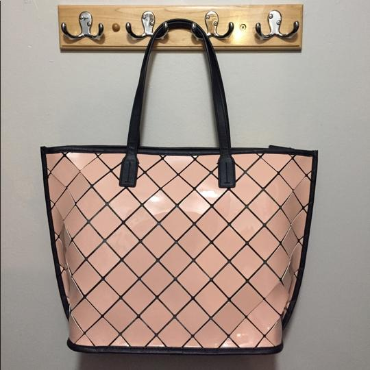 Calvin Klein Tote in Pink Image 3