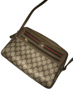 45aa57e23c48 Added to Shopping Bag. Gucci Vintage Cross Body Bag. Gucci