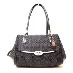 b838d7cbffc Coach Bags and Purses on Sale - Up to 70% off at Tradesy