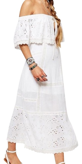 Preload https://img-static.tradesy.com/item/22128986/free-people-white-bohemian-mid-length-short-casual-dress-size-6-s-0-6-650-650.jpg