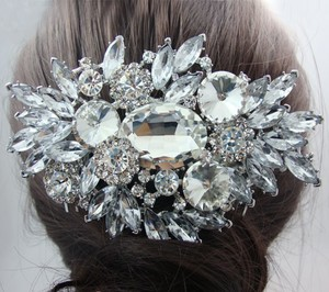 Silver Oval Love Austrian Crystal Comb Hair Accessory