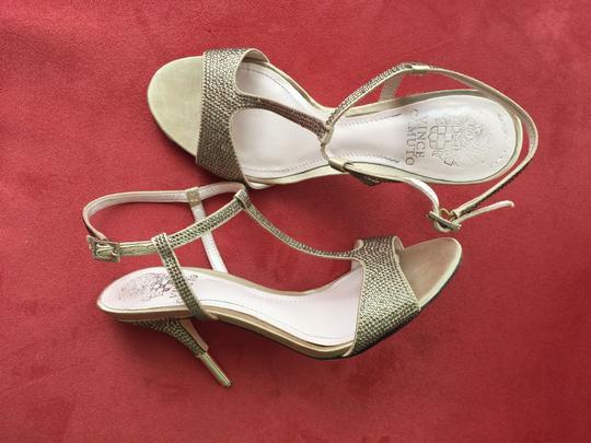 Preload https://item2.tradesy.com/images/vince-camuto-sandals-2213056-0-0.jpg?width=440&height=440