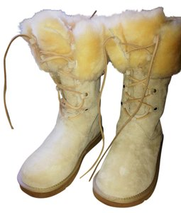 UGG Australia Sand Beige Deadstock Shearling Trim Lace Up Metal Logo Tag  Boots/Booties Size US 9 Regular (M, B)