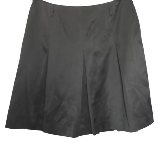 Preload https://item1.tradesy.com/images/lilly-pulitzer-black-pleated-knee-length-skirt-size-8-m-29-30-2213490-0-0.jpg?width=400&height=650