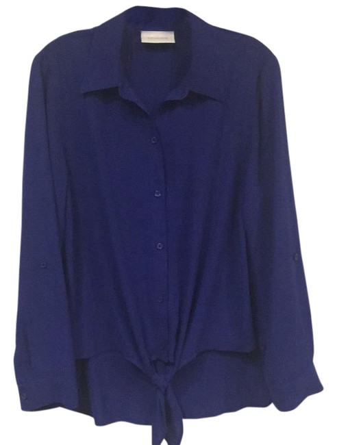 Preload https://item4.tradesy.com/images/chico-s-front-tie-button-down-blouse-size-6-s-2213493-0-2.jpg?width=400&height=650