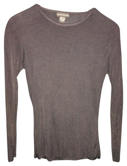 Preload https://img-static.tradesy.com/item/2213569/banana-republic-black-sweaterpullover-size-8-m-0-0-650-650.jpg
