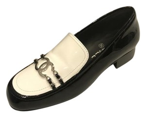 Chanel Loafer Moccasin Patent Leather Chain Two-tone Black/White Flats