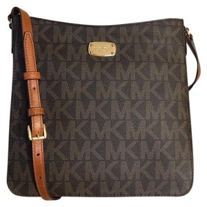 Michael Kors Mk Jet Set Travel Pvc 190049409909 Brown Messenger Bag