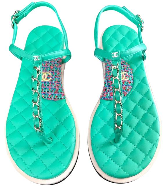 Item - Green Lambskin Tweed Gold Chain Thongs Sandals Size EU 37.5 (Approx. US 7.5) Wide (C, D)