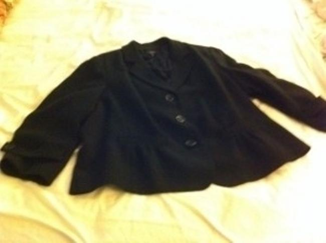Preload https://item5.tradesy.com/images/talbots-black-feminine-suit-jacket-from-great-detail-blazer-size-20-plus-1x-22139-0-0.jpg?width=400&height=650