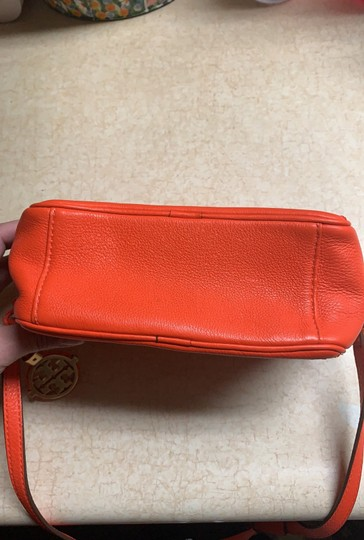 Tory Burch Cross Body Bag Image 11