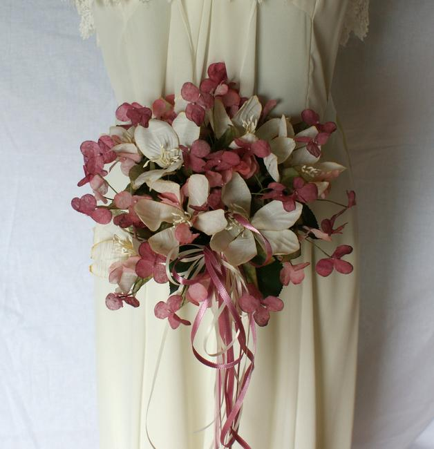"""Item - Pink and Cream Silk """"Butterfly"""" Wedding Bridal Bouquet"""