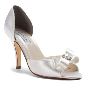 Touch Ups White Gloria D Orsay Soft Satin Bridal Heels M Pumps Size Us 7