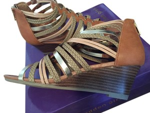 Madden Girl Gladiator Wedge Nude Strappy Nude/Cognac and Metallic Sandals