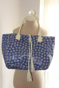 Cavalcanti Leather Suede Tote in blue