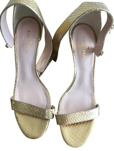 5045866ab930 Kate Spade Sandals on Sale - Up to 90% off at Tradesy (Page 15)