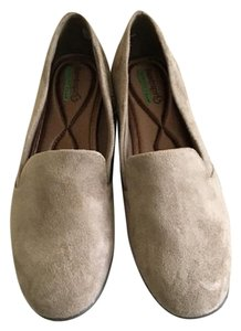 Bare Traps Loafers Suede Memory Foam Taupe Flats