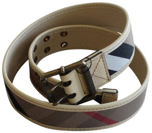Burberry Creme, beige multicolor Burberry House Check print leather belt