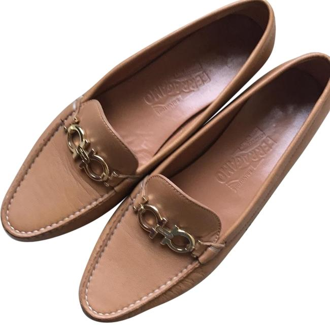 Item - Beige/Gold Women's Ganccini Leather Loafer. Flats Size US 7.5 Narrow (Aa, N)