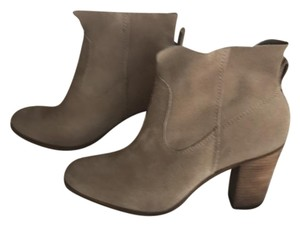 Vince Camuto Light brown suede Boots