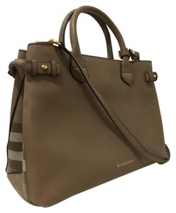 Burberry Leather Tote in Dark Sand