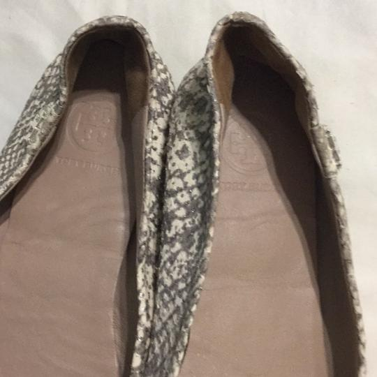 Tory Burch White, gray with silver shimmers Flats Image 4