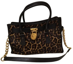 ae52bf6ca3b1 Michael Kors Leopard Collection - Up to 90% off at Tradesy