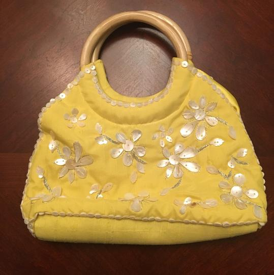 Coldwater Creek Bamboo Mother Of Pearl Circle Handles yellow Clutch
