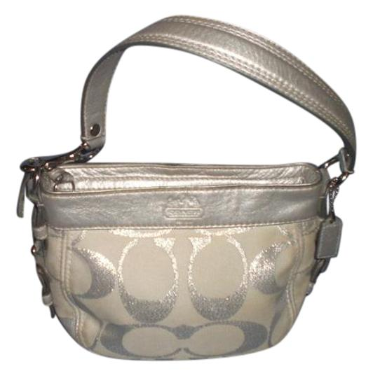 Preload https://img-static.tradesy.com/item/22149079/coach-d1094-f44264-silver-canvas-with-leather-trim-baguette-0-1-540-540.jpg