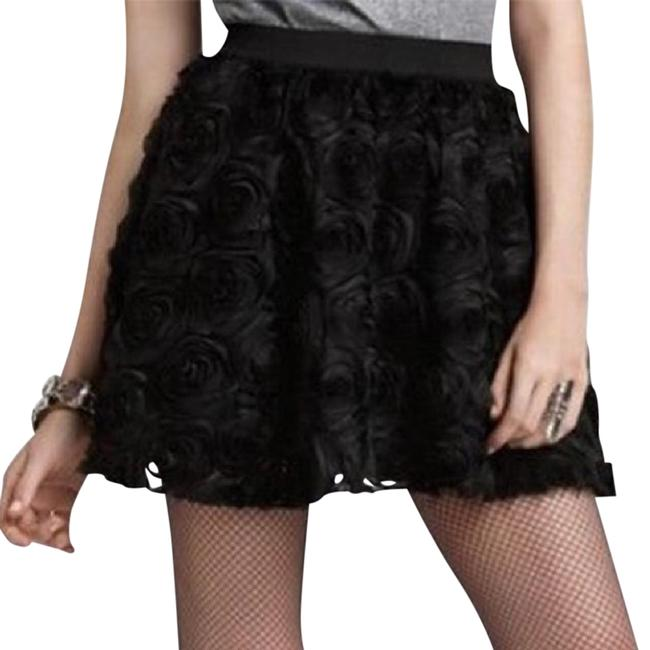 Preload https://img-static.tradesy.com/item/22149357/free-people-black-rosey-holiday-miniskirt-size-2-xs-26-0-1-650-650.jpg