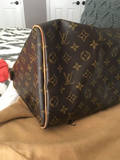 Louis Vuitton Lv 35 Speedy Good Condition Tote in Monogram Image 5