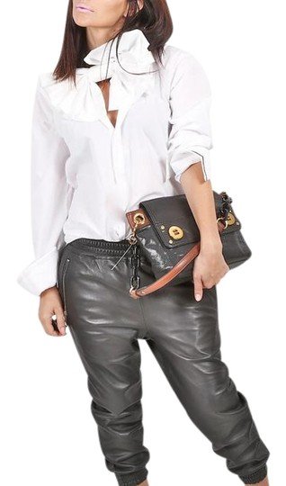 Preload https://img-static.tradesy.com/item/22151990/milly-purse-black-leather-shoulder-bag-0-1-540-540.jpg