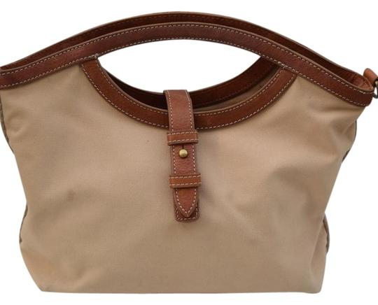 Preload https://img-static.tradesy.com/item/22152004/fossil-hand-tote-beigebrown-canvas-and-leather-tote-0-1-540-540.jpg