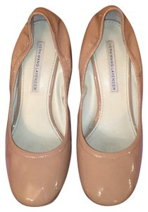 Vera Wang Lavender Label beige sand bisque Wedges