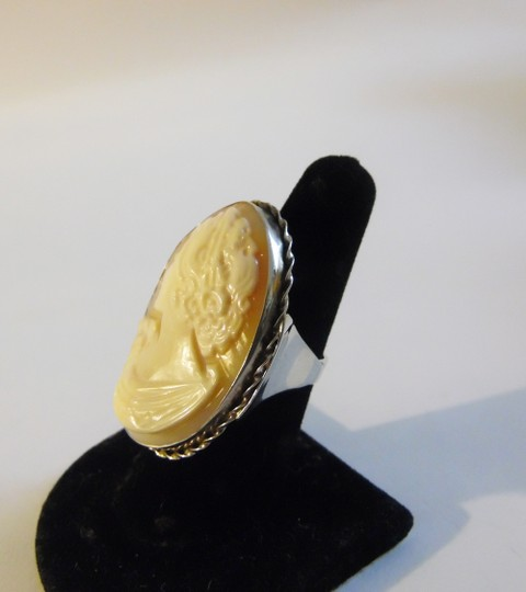 AMEDEO AMEDEO 40mm 925 Twist-Frame Cameo Ring Size 9