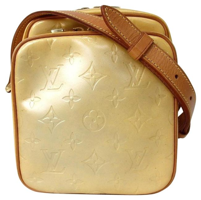 Item - Worcester Vernis Yellow Leather Cross Body Bag
