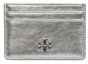 Tory Burch NWT TORY BURCH CAITLIN SILVER LEATHER CARD CASE