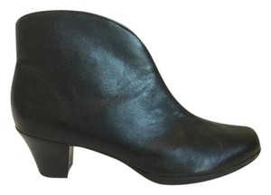 Munro American Leather Extra Wide Comfortable Black Boots