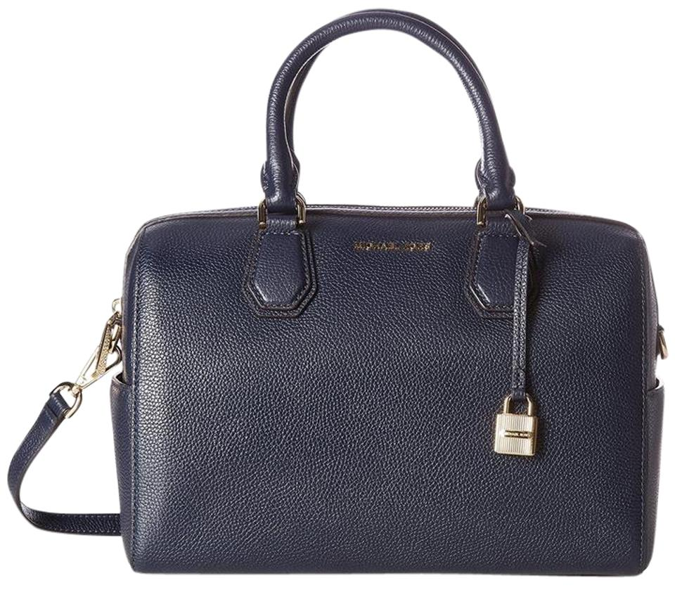 ec1c060e162b77 Michael Kors Bags - Up to 90% off at Tradesy