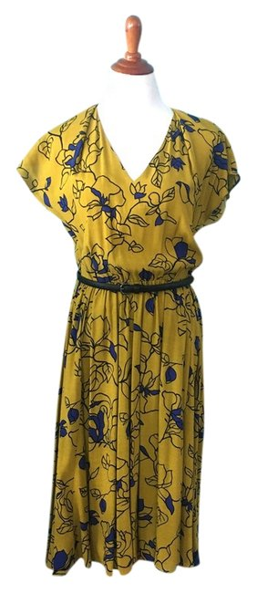 Item - Mustard Yellow Floral Cut-out V-neck Midi Mid-length Work/Office Dress Size 8 (M)