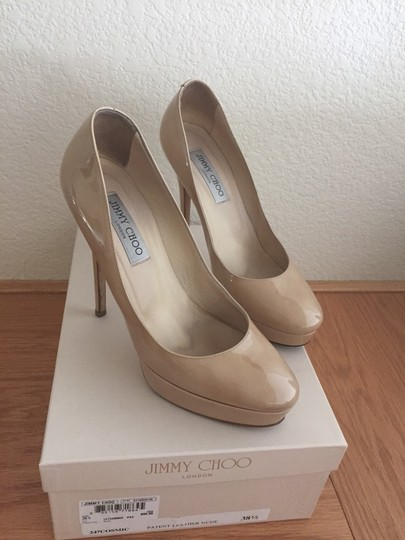 $750 Jimmy Choo Nude Beige Patent Leather Classic Cosmic