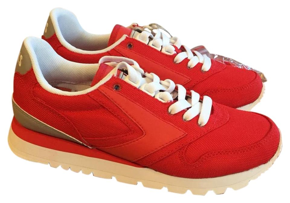 d64140d6aa66d Brooks Red Chariot Sneakers Size US 6.5 Regular (M