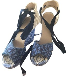 Theodora & Callum multi Wedges