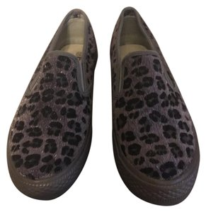 Bucco Taupe & Black Animal Flats