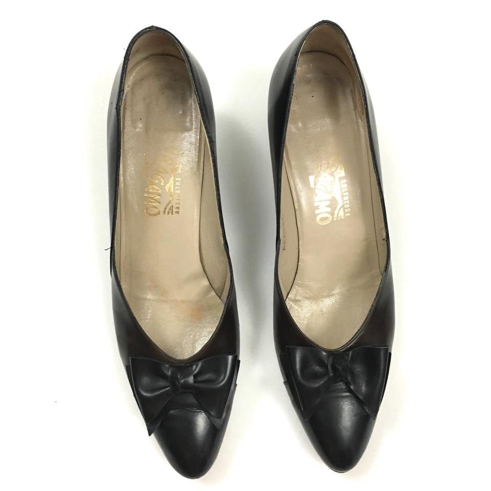 9f27c964b60 Salvatore Ferragamo Black Brown Colorblock Bow Kitten Heels Pumps. Size  US  10 Narrow (AA ...