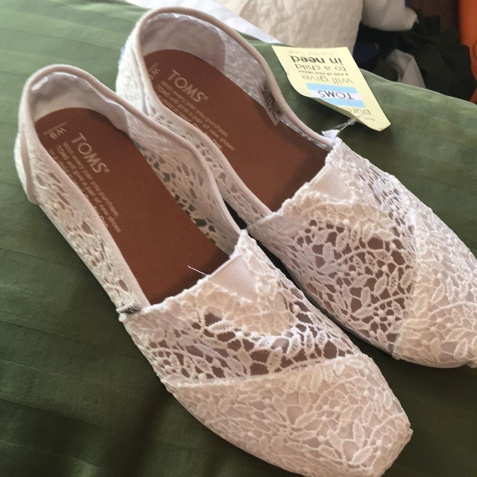 68667076 TOMS White Wmn Classic Lace Leaves Flats Size US 9 Regular (M, B ...