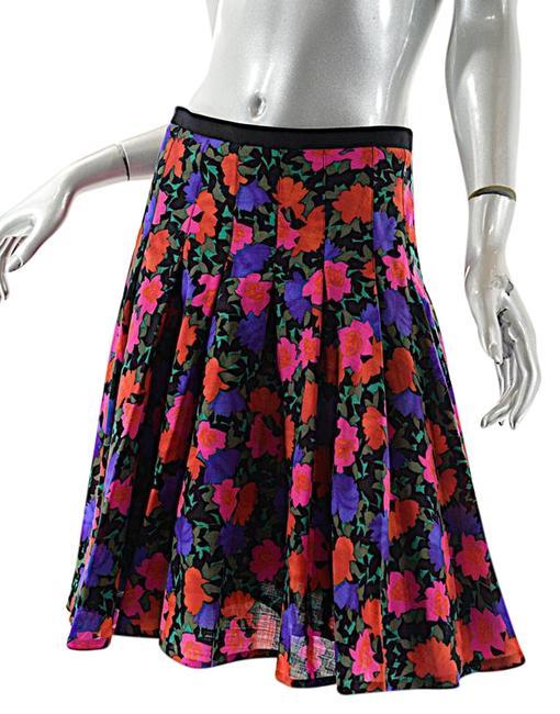Akris Punto Multi Color & Black Floral All Wool Drop Pleated with Waist Skirt Size 8 (M, 29, 30) Akris Punto Multi Color & Black Floral All Wool Drop Pleated with Waist Skirt Size 8 (M, 29, 30) Image 1