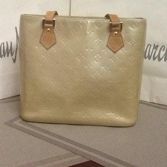 Louis Vuitton Tote in light green Image 2